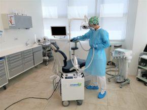 Utilizzo del dispositivo di sanificazione Hygenio nello studio dentistico Clinica Ezio Costa